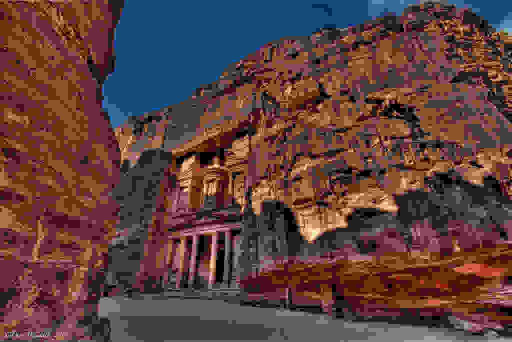 Petra-ruins-jordan.jpg
