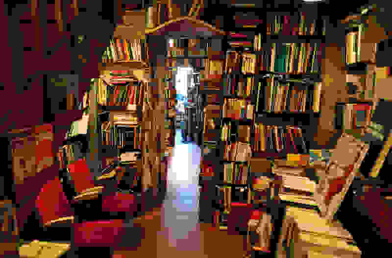 inside-shakespeare-and-co-paris-bookshop1.jpg