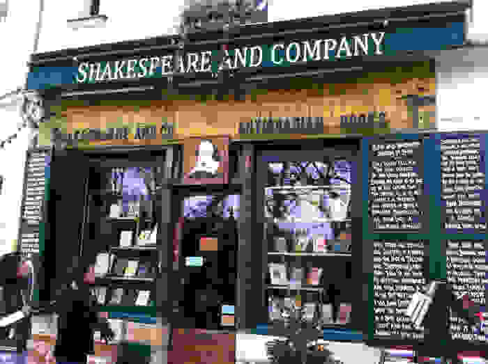 shakespeare-and-co-02.jpg