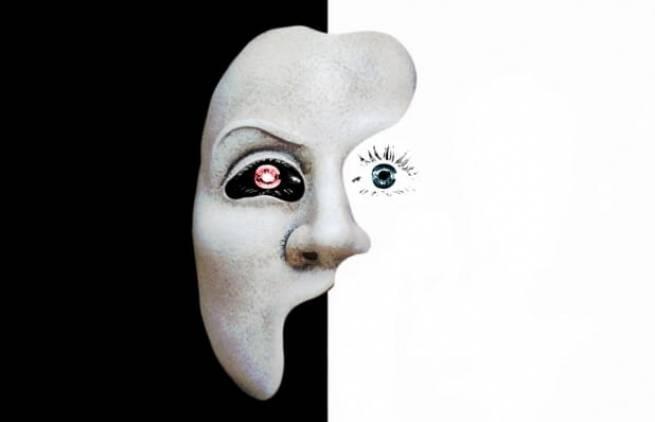 Το πρόσωπο του φανατισμού είναι ένα