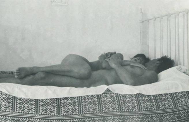 Οδυσσέας Ελύτης - Γυμνός, Iούλιο μήνα, το καταμεσήμερο...