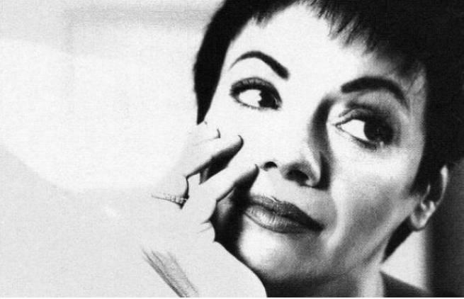 Μαλβίνα Κάραλη: Οι μικροαστοί...