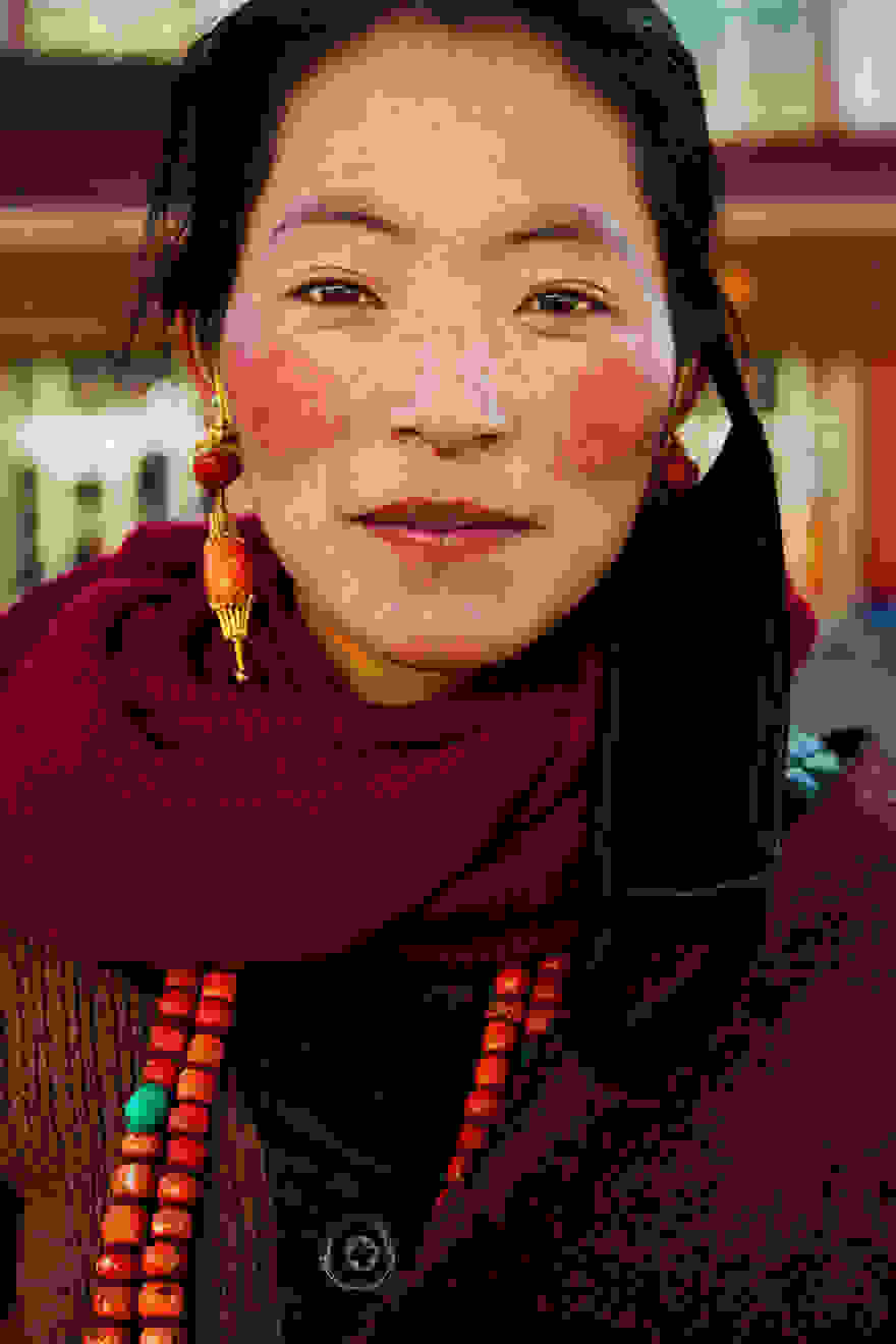 different-countries-women-portrait-photography-michaela-noroc-15-tibet-china.jpg