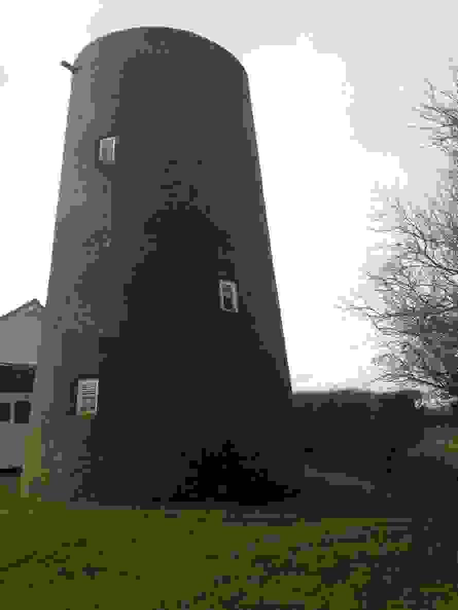 windmillb.jpg