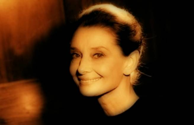 Audrey Hepburn: «Πιστεύω στο ροζ»